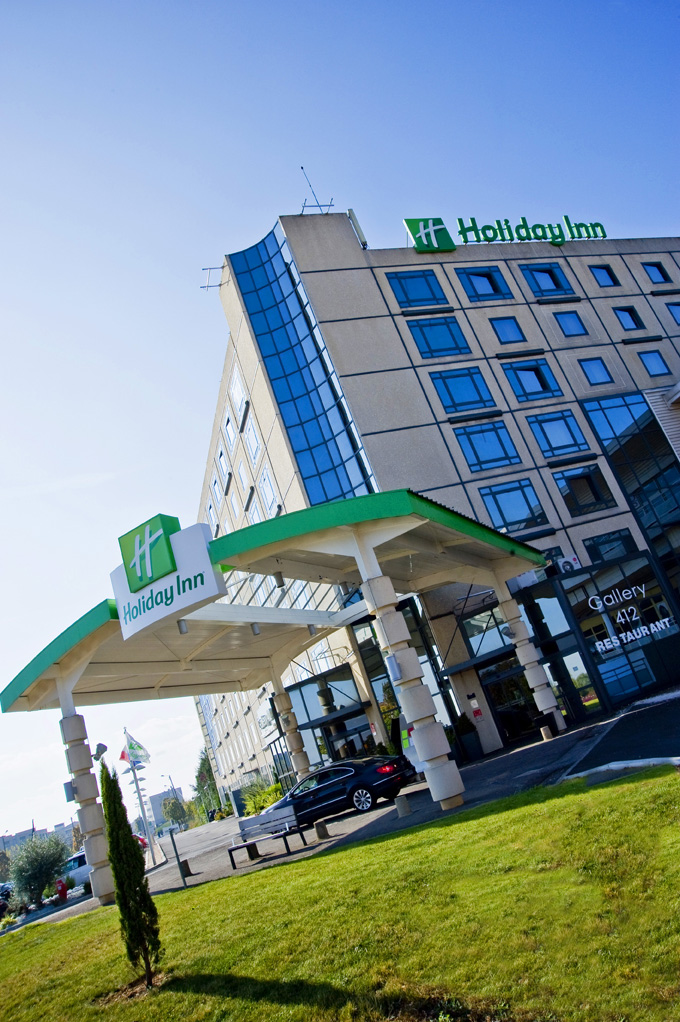 holiday inn photographie premi re droite agence de communication dijon. Black Bedroom Furniture Sets. Home Design Ideas